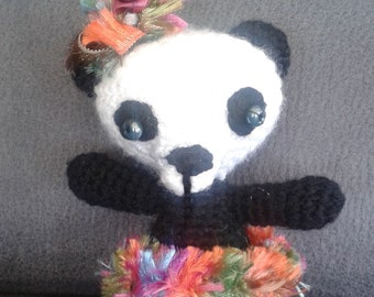 Miss Panda rustle