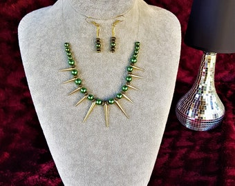Emareld Green and gold Spiked bead Necklace Set