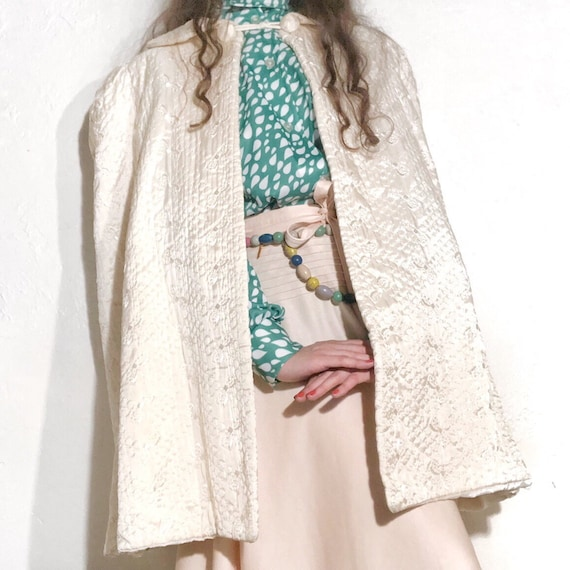1940's Vintage Brocade Off White Cape Coat