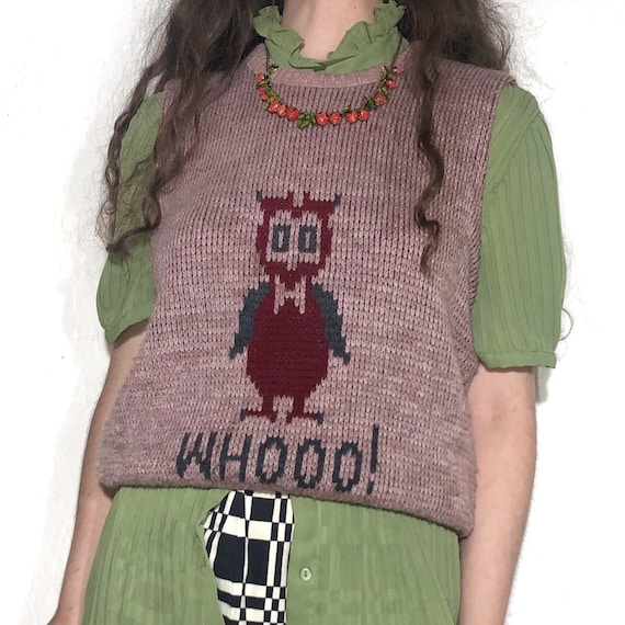 "1960's Vintage Novelty Sweater Vest of Owl ""Whooo!"