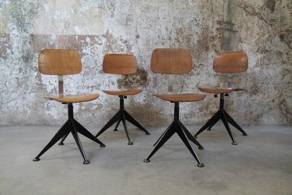 Set 4 sedie industriali vintage by Velca | Etsy