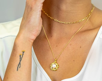 """Freshwater Pearl Necklace-Gold Plated Sterling Silver White Pearl and CZ Stone Fancy Flower Pendant Necklace (18"""")-Bridesmaid Necklace Set"""
