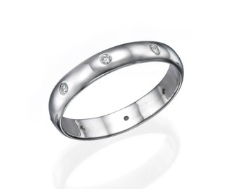 14K White Gold Ring with Natural Diamonds