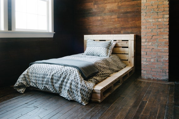 Pallet Platform Bed Twin Size Etsy