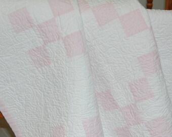 Modern Quilt, Cotton Quilt, Baby Quilt, Toddler Quilt, Irish Chain Quilt, Lap Quilt, Baby Girl Gift, Baby Shower Gift, Pink Nursery
