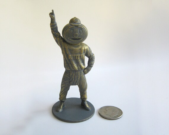 32 mm Scale OSU Brutus Buckeye miniature for tabletop RPG D/&D, DnD, Dungeons and Dragons, Pathfinder, Frostgrave