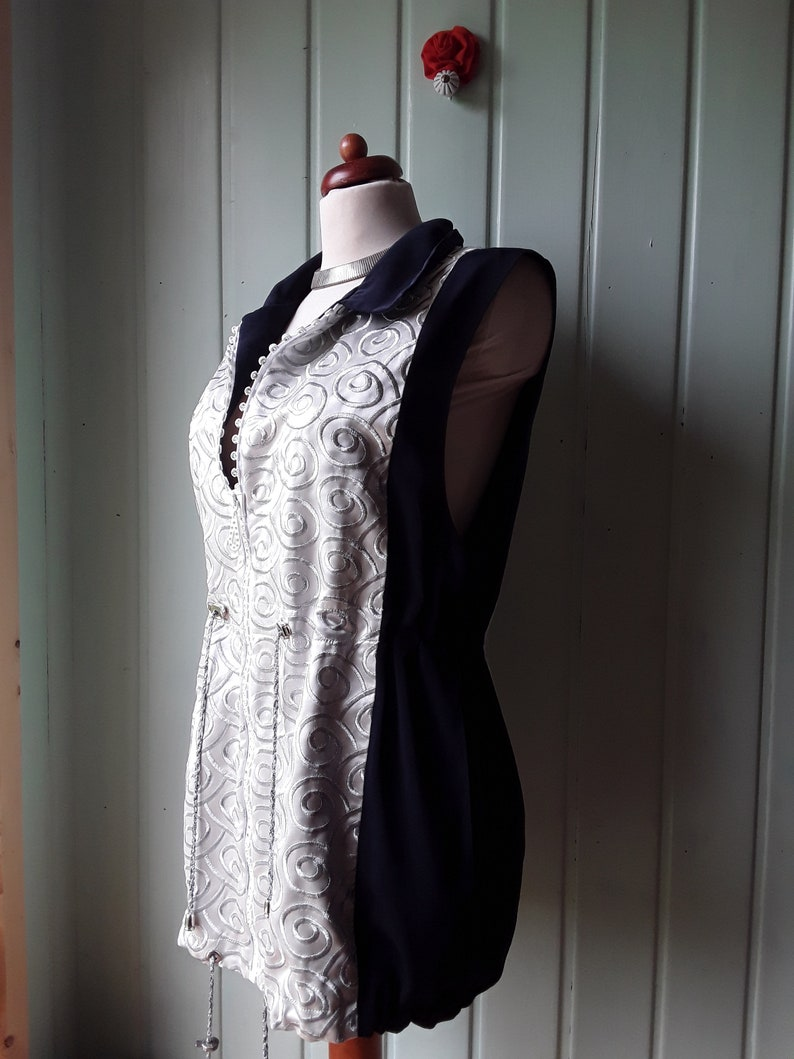 textured embroidered long vest in silver and dark blue Elegant