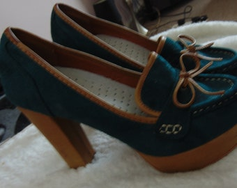 Shoes High Heeled Vintage Green Suede and Mustard