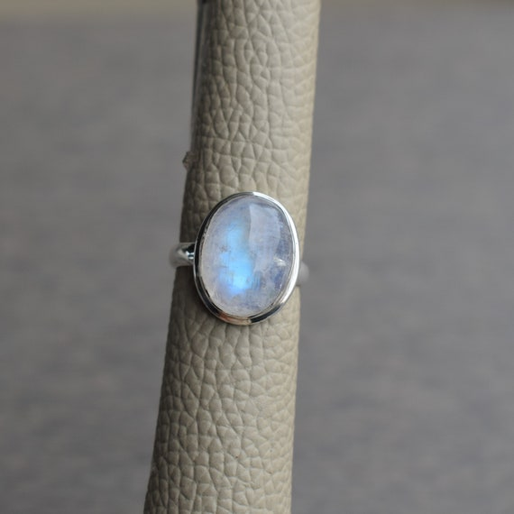 Anniversary Ring Designer Ring Promise Ring 925 Silver Ring Gift for her Natural Rainbow Moonstone Ring Blue Fire Pear Moonstone Ring