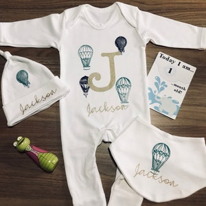Personalised Hello World I/'m Name Babygrow and Hat Set Hospital Outfit New Baby
