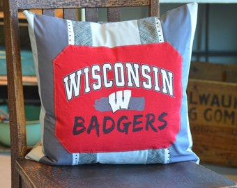 NEW WISCONSIN BADGERS Standard Knit Pillowcase