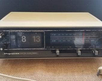Magnavox Digital Clock Radio Model 1R1778 - For Repair or Parts