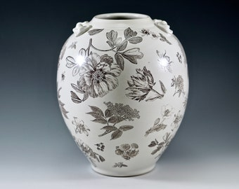 Botanical and bees vase