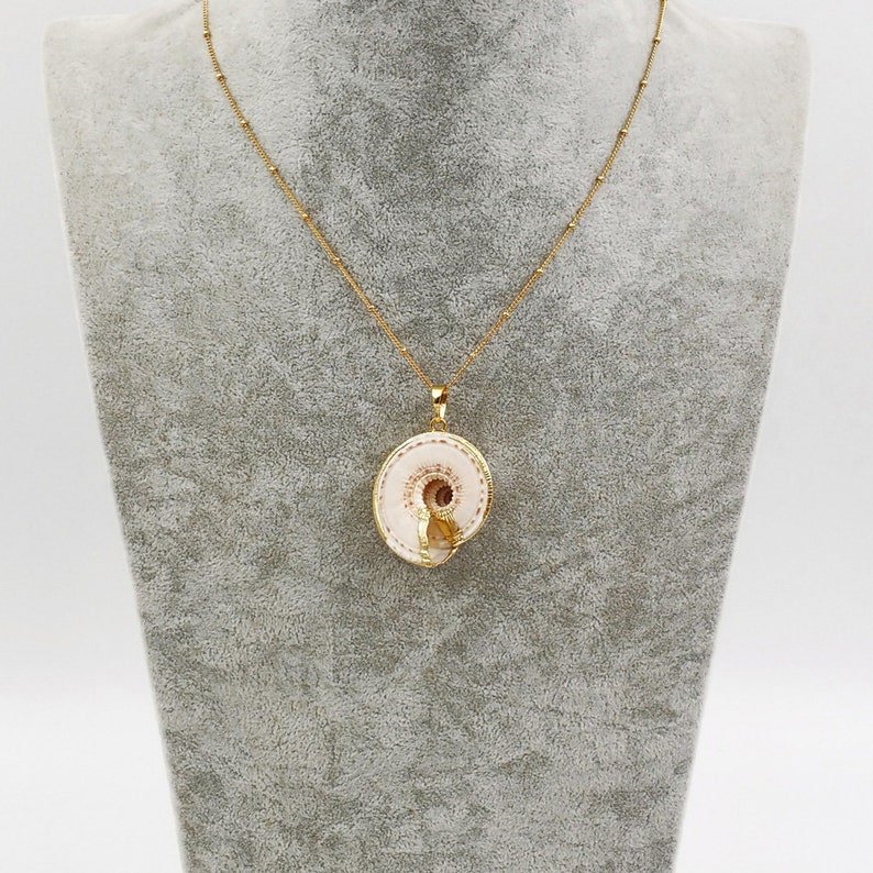 JN001 Wholesale Natural Statement Necklace Raw Sea Trumpet Shell Necklace With 24k Gold Dipped Chain Necklace