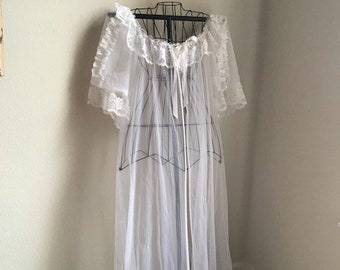 Vintage Long Lacy Victorian Peignoir Robe from The Lingerie Co Size XL