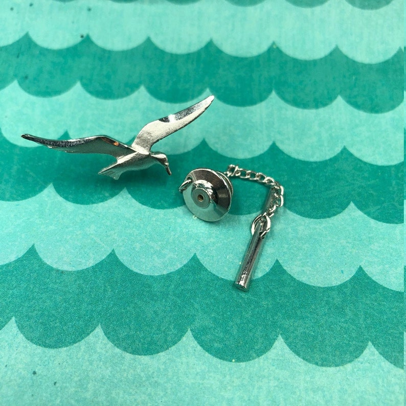 Silver Tone Vintage Tie Tack Retro 1980s 80s Beach Nature Seagull Tie Tack Tie Accessories Hipster Jewelry Flying Bird