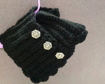 Black scarf with buttons