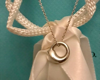 TIFFANY & CO. Authentic, Elsa Peretti Sterling Silver Eternal Circle Pendant Necklace- MINT Condition