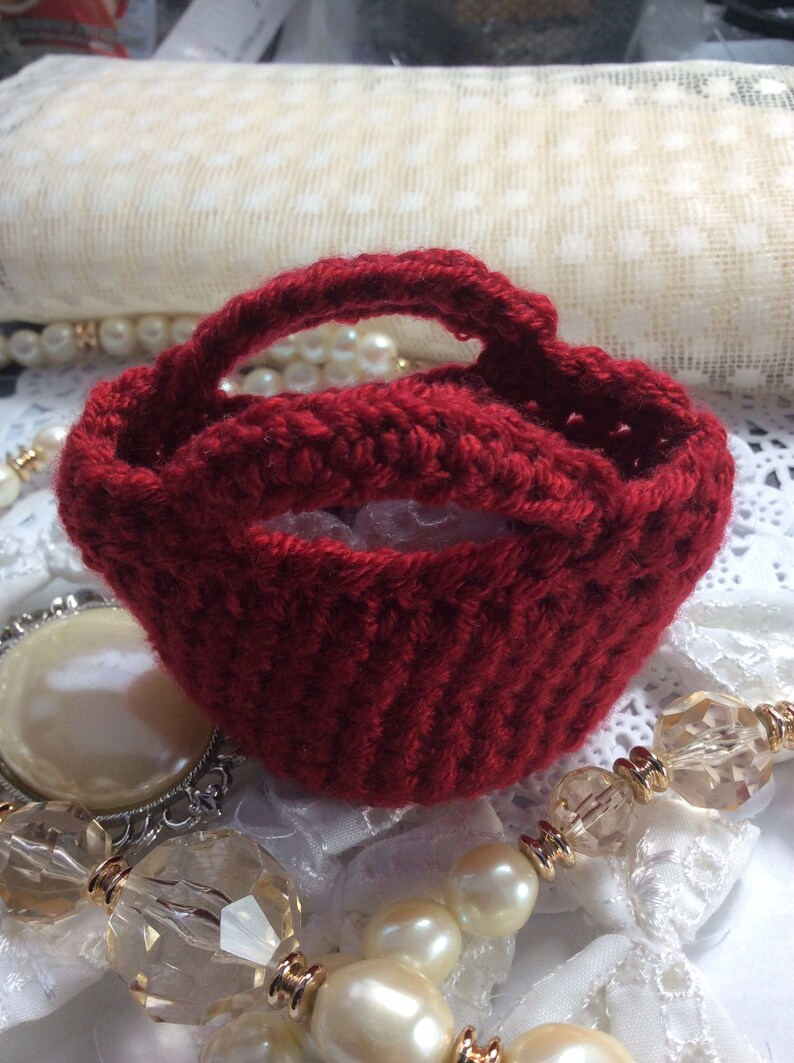 Handmade lot of 8 red miniature handbag wedding bridesmaids party favours.