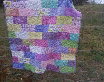 Spring colors baby quilt