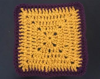 Handmade Vintage Crochet - Square