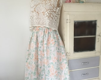 Lucy in the sky midi skirt, peachy floral vintage fabric, handmade.