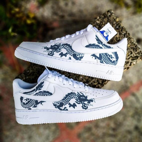 Custom sneakers Nike Air Force 1 'Red dragon'