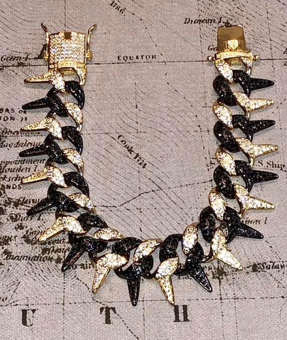 BARBIE DOLL JEWELRY ACCESSORIES SILVER GRAY SPIKED NECKLACE THICK
