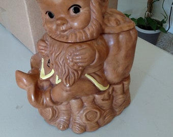 Vintage Twin Winton Cookie Jar Elf / Gnome