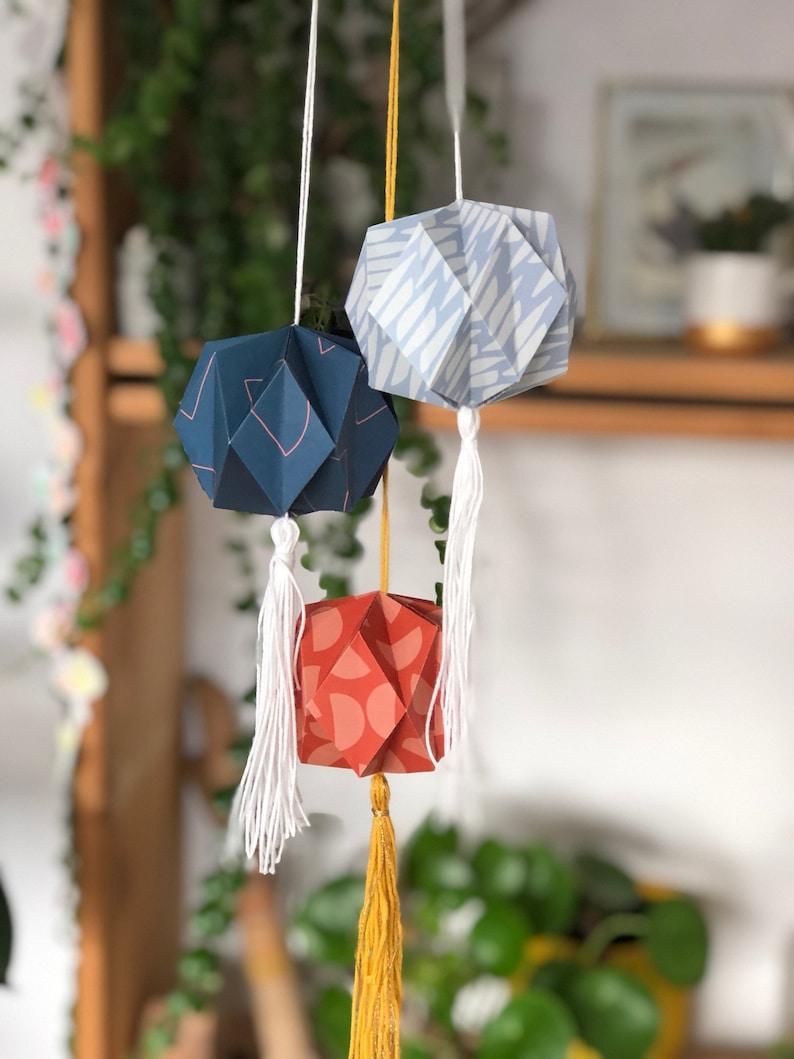 Paper Origami Lampion  DIY image 0