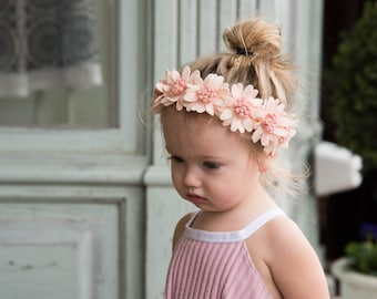 Daisy Crown Shown Above