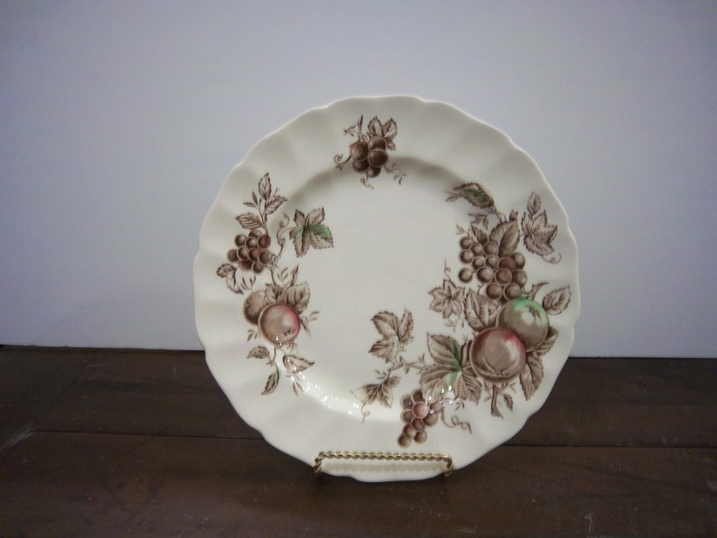 Vintage Johnson Brothers Dinner Plate in the Harvest Time