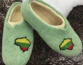 Felt felted wool slippers clogs house shoes mules woman 39 s men 39 s unisex animal face handmade using eco friendly wool