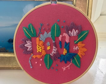Embroidery hoop - Love - Wall art - Embroidery flowers