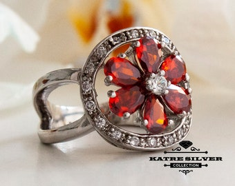 Red Floral Ring, Red Flower Ring, Pear Stone Ring, Red Stone Ring, Floral Ring, Flower Ring, Red Ring, Floral Jewelry, Ring for Women, Ring