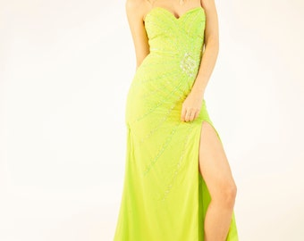 a4144021a49 Vintage 90 s Light Green Bandeau Sweetheart Neckline Maxi Full Length  Ballgown Party Dress Floral Spiral Diamonte Size 6 8