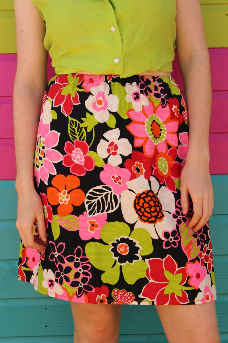 6bff3e5a7fa Vintage 90's Black Pink Green Orange & White Floral Print Summer A Line  Elasticated Mini Skirt Size 8 10