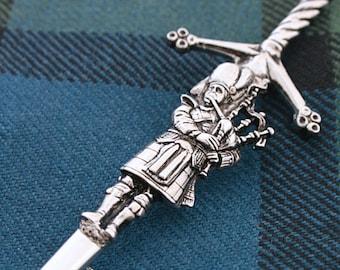 Bagpipes Kilt Pin, Scotland Jewelry, Irish Jewelry, Celtic Jewelry, Piper Gift, Bagpipes Jewelry, Tartan Pin, Music Gift, Scotland Pin