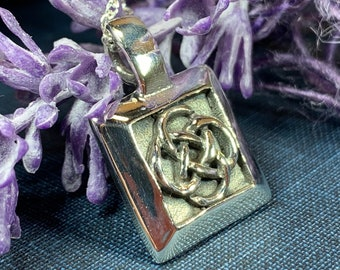 Dara Knot Necklace, Celtic Jewelry, Irish Jewelry, Ireland Gift, Mom Gift, Sister Knot, Celtic Knot Pendant, Friendship Gift, Norse Jewelry