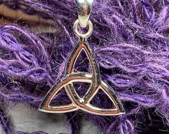 Trinity Knot Necklace, Celtic Jewelry, Irish Jewelry, Anniversary Gift, Bridal Jewelry, Heart Jewelry, Scotland Jewelry, Wiccan Jewelry