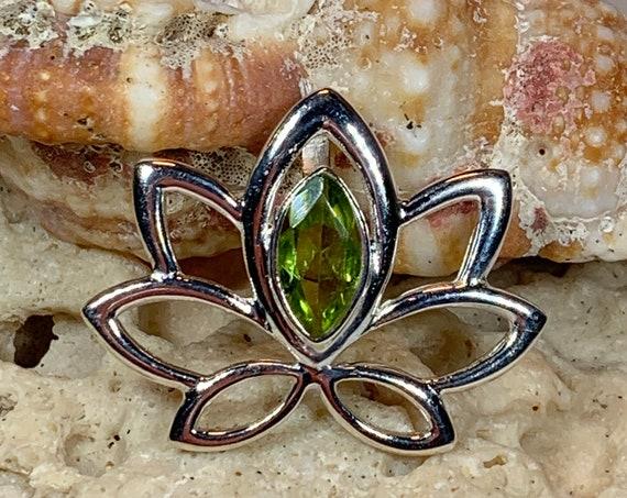 Lotus Necklace, Celtic Jewelry, Peridot Jewelry, Wiccan Jewelry, Lotus Jewelry, Flower Jewelry, Celtic Knot Jewelry, Wife Gift, Mom Gift