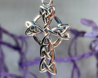 Celtic Cross Necklace, Irish Jewelry, Celtic Jewelry, Trinity Knot, Mom Gift, Scotland Jewelry, First Communion Gift, Confirmation Gift