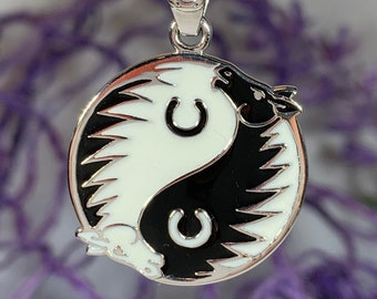 Yin Yang Necklace, Celtic Jewelry, Horse Jewelry, Yoga Jewelry, Animal Jewelry, Yin Yang Pendant, Horseshoe Jewelry, Chinese Symbol Jewelry