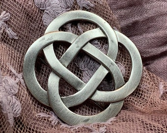 Love Knot Brooch, Celtic Jewelry, Celtic Knot Pin, Celtic Brooch, Celtic Pin, Mom Gift, Anniversary Gift, Irish Jewelry, Friendship Gift
