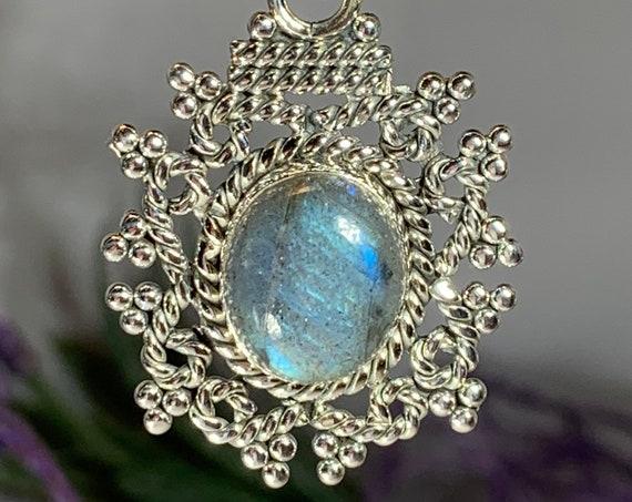 Celtic Knot Necklace, Labradorite Jewelry, Celtic Jewelry, Gemstone Jewelry, Irish Jewelry, Anniversary Gift, Scotland Jewelry, Wife Gift