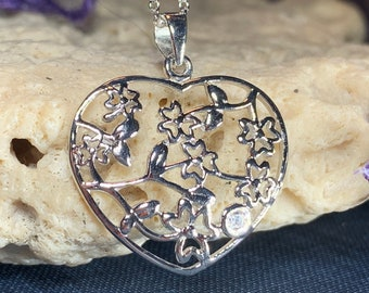 Shamrock Necklace, Heart Necklace, Irish Jewelry, Clover Jewelry, Celtic Knot Jewelry, Anniversary Gift, Bridal Jewelry, Celtic Jewelry