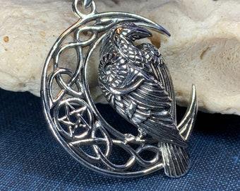 Raven Necklace, Bird Jewelry, Crow Pendant, Black Bird Pendant, Animal Jewelry, Pagan Jewelry, Nature Lover, Poe Jewelry, Gothic Jewelry
