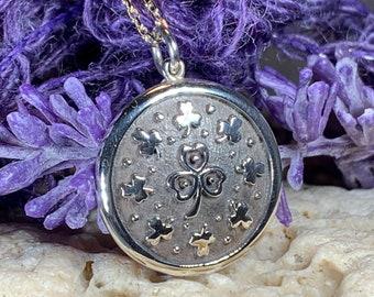 Shamrock Necklace, Clover Necklace, Celtic Jewelry, Irish Jewelry, Ireland Gift, Bridal Jewelry, Anniversary Gift, Nature Jewelry, Mom Gift