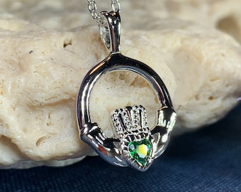 Claddagh Necklace, Celtic Jewelry, Irish Jewelry, Ireland Gift, Mom Gift, Anniversary Gift, Girlfriend Gift, Heart Jewelry, Graduation Gift