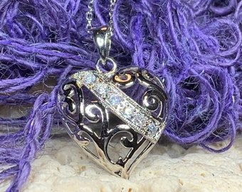 Heart Necklace, Celtic Knot Jewelry, Irish Jewelry, Anniversary Gift, Mom Gift, Bridal Jewelry, Graduation Gift, Sweet 16 Gift, Wife Gift